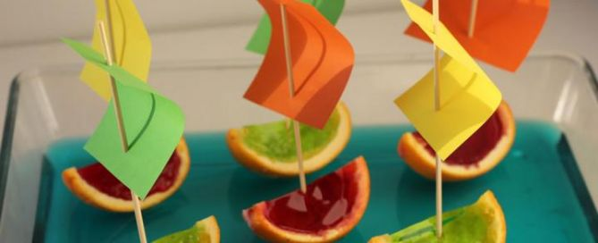 This this Jelly Boats Recipe for a delicious treat wit your child!