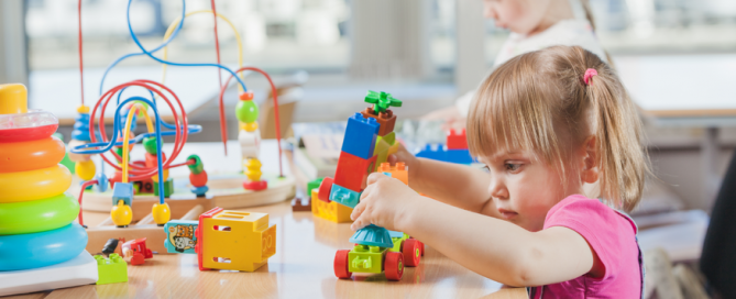 encourage creative thinking in early childhood